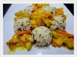 Kaczka z warzywami w tajskim sosie curry
