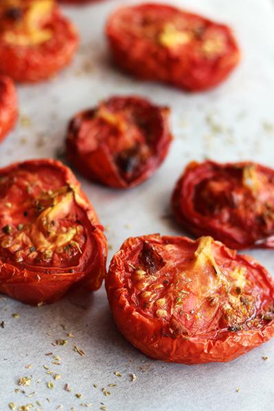 Pieczone pomidory z piekarnika