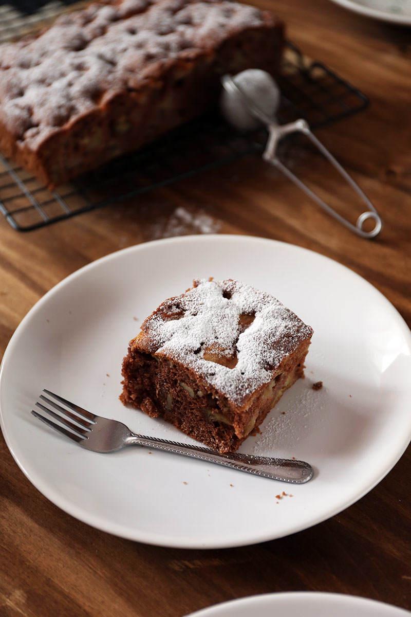 Ciasto-czekoladowe-z-jablkami