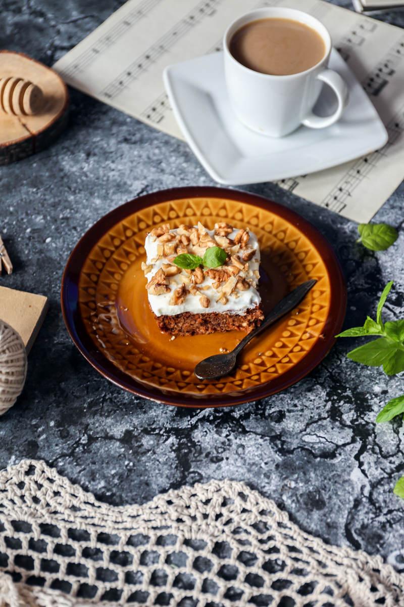 dietetyczne-ciasto-marchewkowe