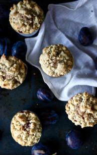 Muffiny ze śliwkami i kruszonką