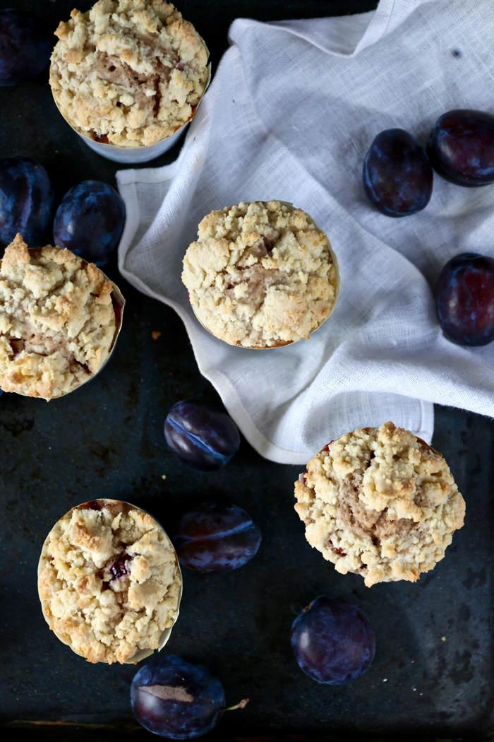muffinki-ze-sliwkami-i-cynamonem