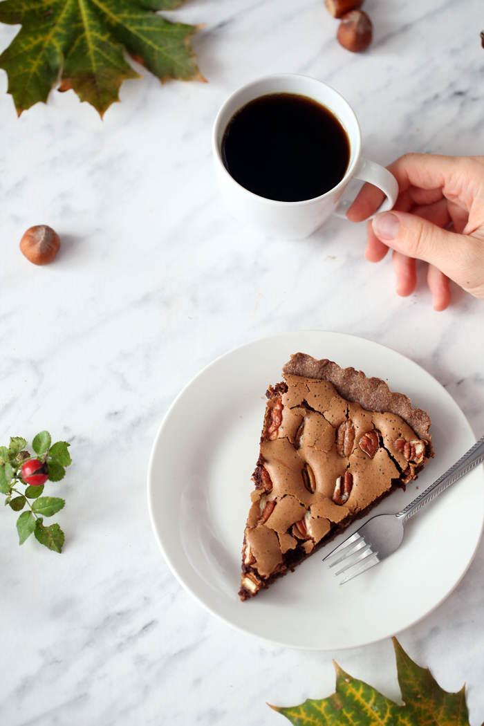 czekoladowa-tarta-z-orzechami