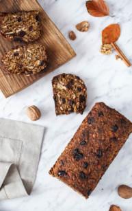 Dyniowy chleb z nasion, orzechów i żurawiny