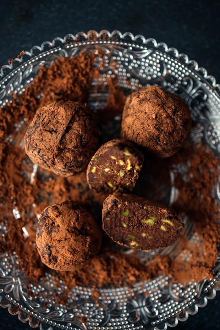 Przepis na czekoladowe trufle z awokado