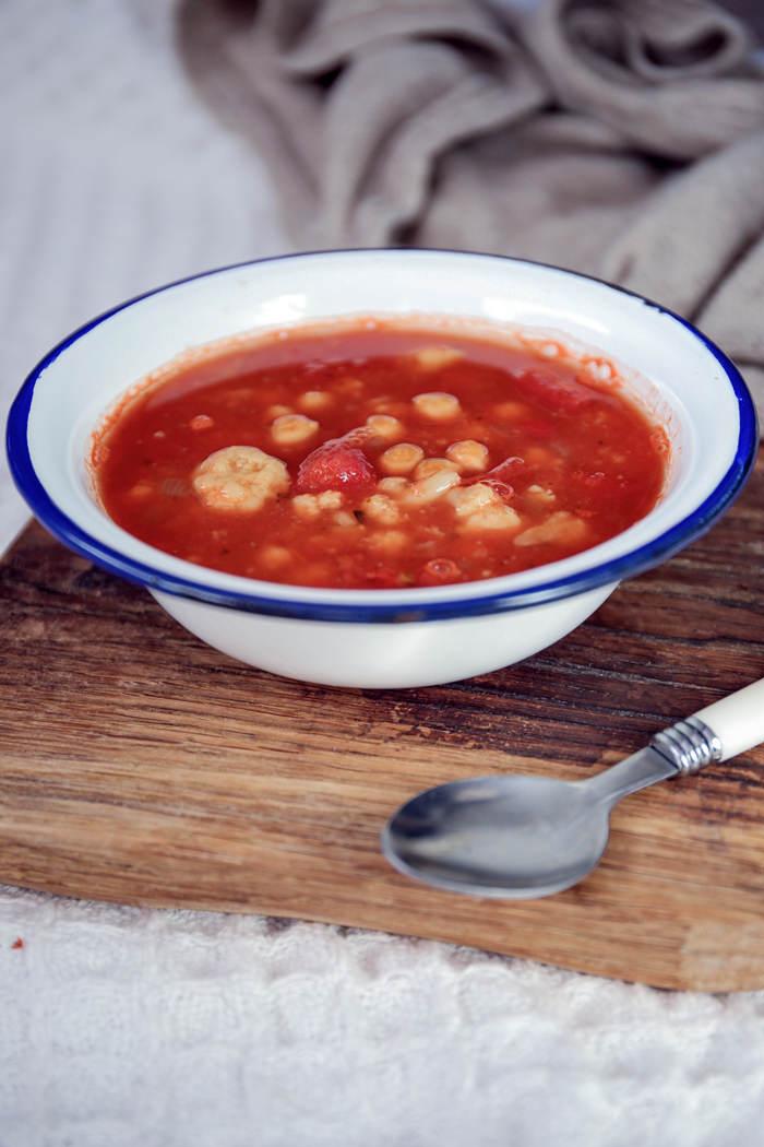 Zupa z ciecierzycą przepis
