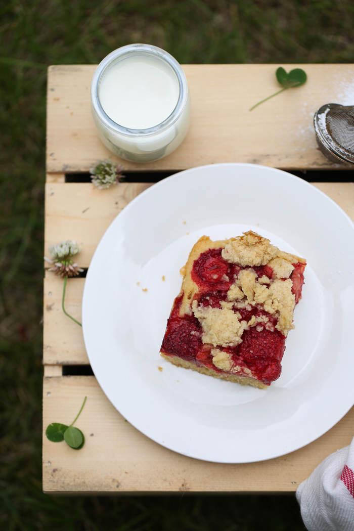ciasto z truskawkami i kruszonką przepis