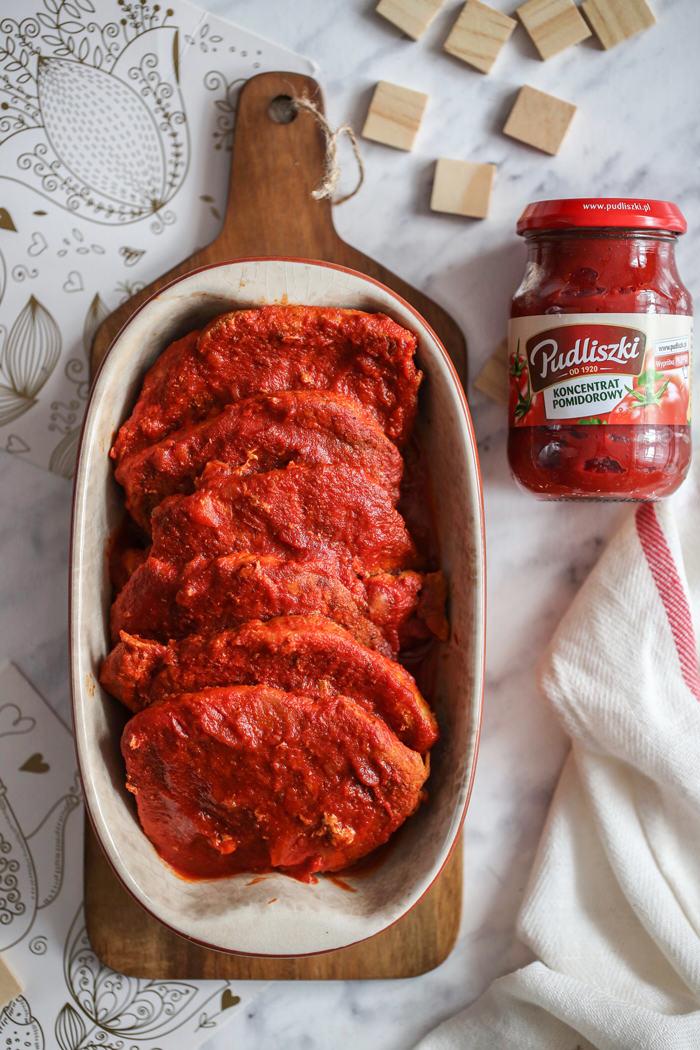 Schab w pomidorach.