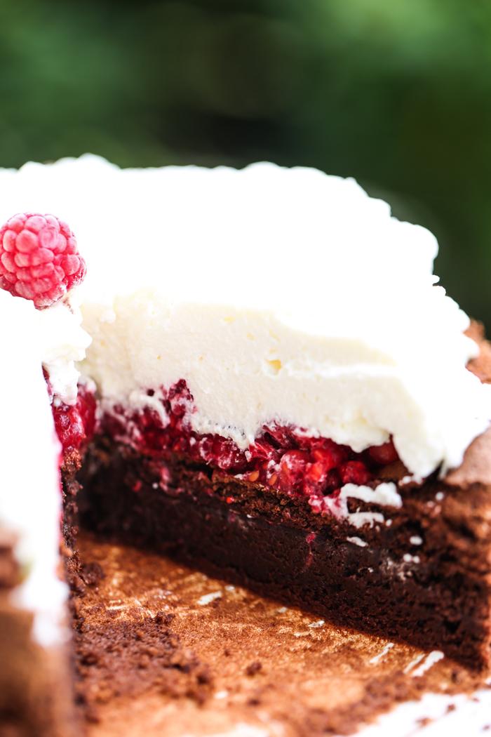 Malinowy wulkan ciasto