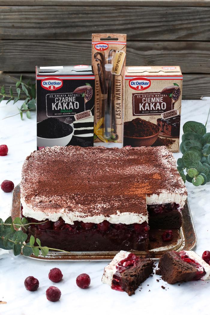 Ciasto przekładane kremem waniliowym