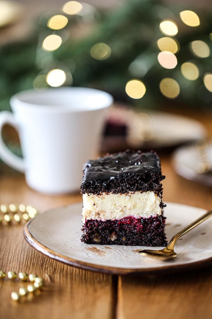 Ciasto makowe z frużeliną i kremem kokosowym